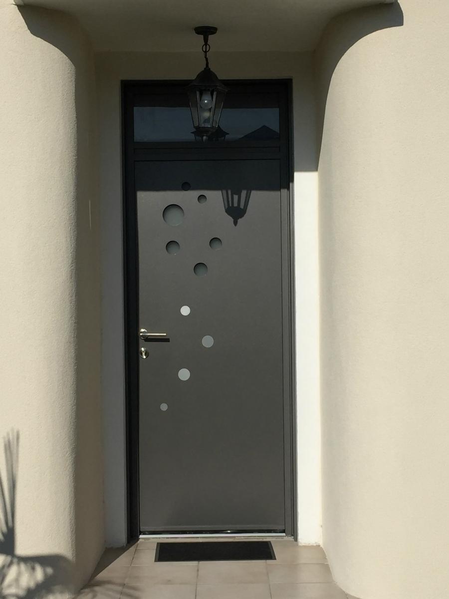 dov ouvertures porte d 39 entree k line vertou. Black Bedroom Furniture Sets. Home Design Ideas
