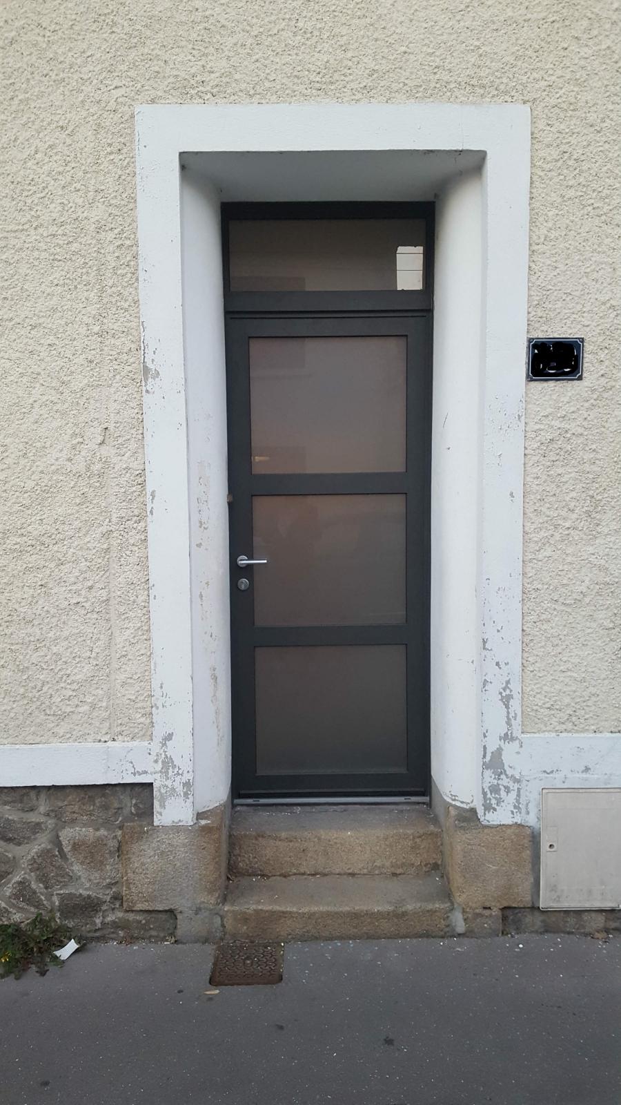 Dov ouvertures porte d 39 entree mixte bois alu nantes - Porte d entree alu bois ...