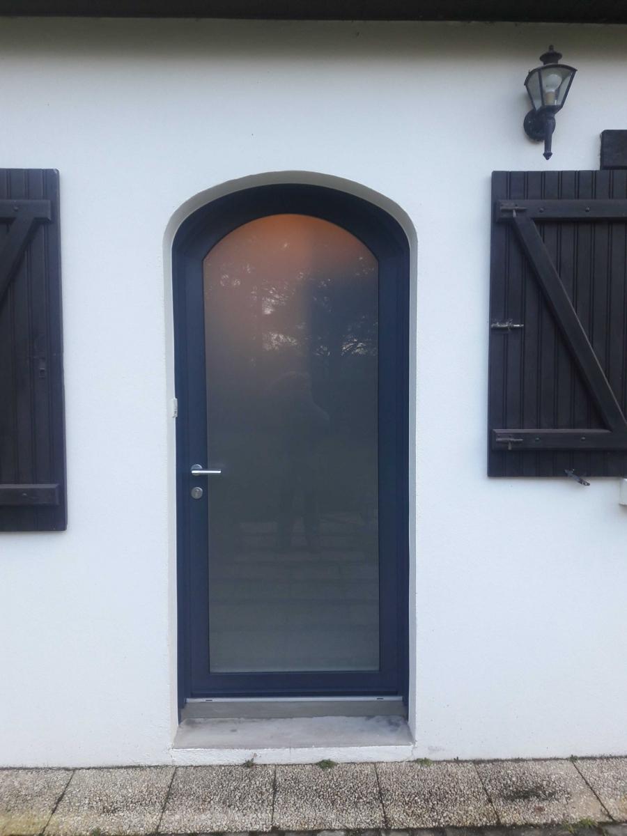 Dov ouvertures porte d 39 entree cintree mixte bois alu la chapelle sur erdre - Porte d entree cintree ...