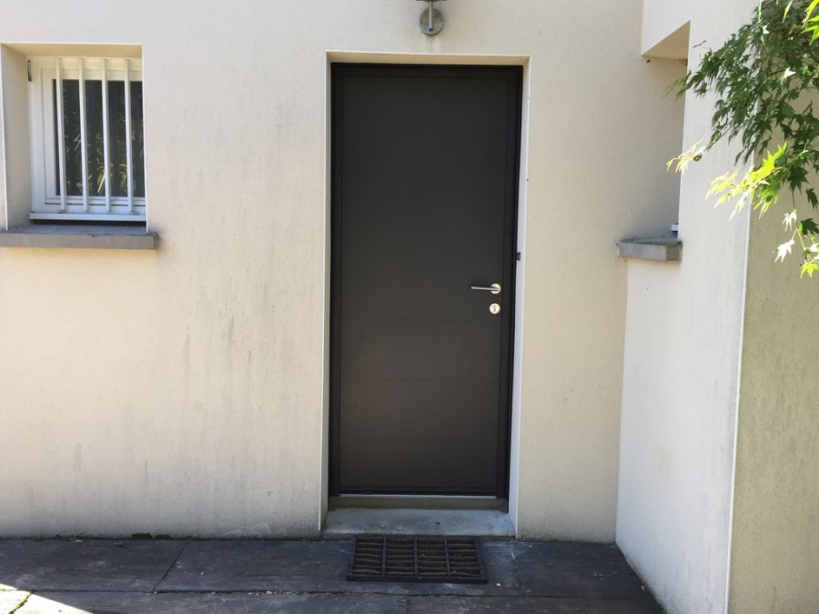 Dov ouvertures porte d 39 entree alu k line petit mars for Garage petit mars
