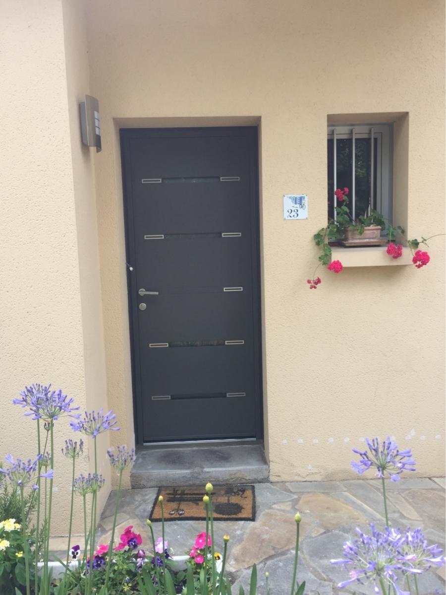 dov ouvertures porte d 39 entree aluminium k line sainte. Black Bedroom Furniture Sets. Home Design Ideas